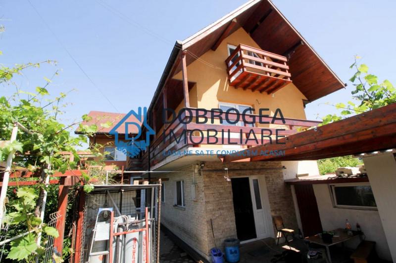 Casa pentru muncitori, 7 camere cu baie, 2 bucatarii, centrala