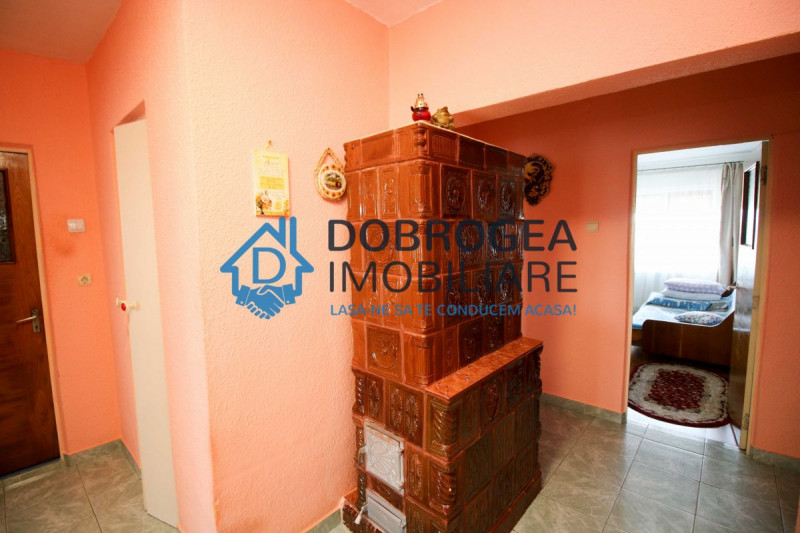 Str. Babadag, 4 camere, decomandat, centrala termica